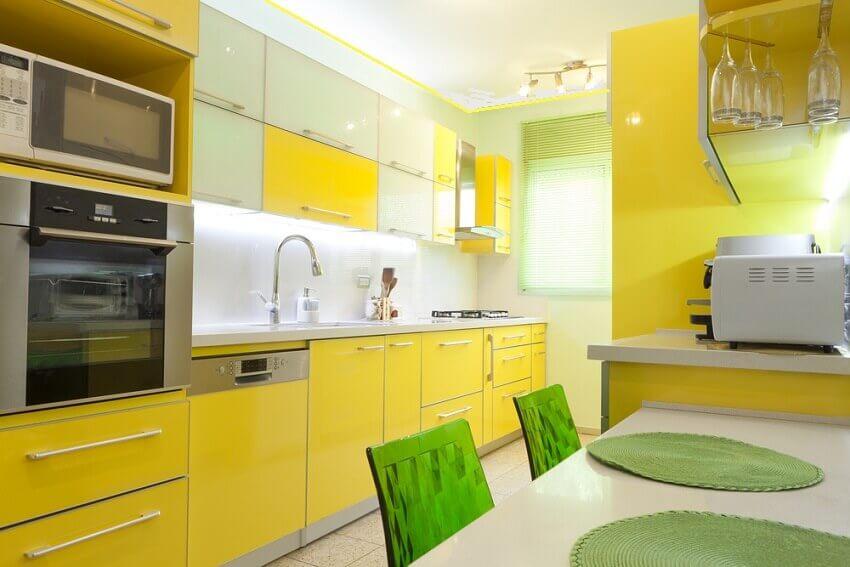 Желтый цвет в интерьере квартир